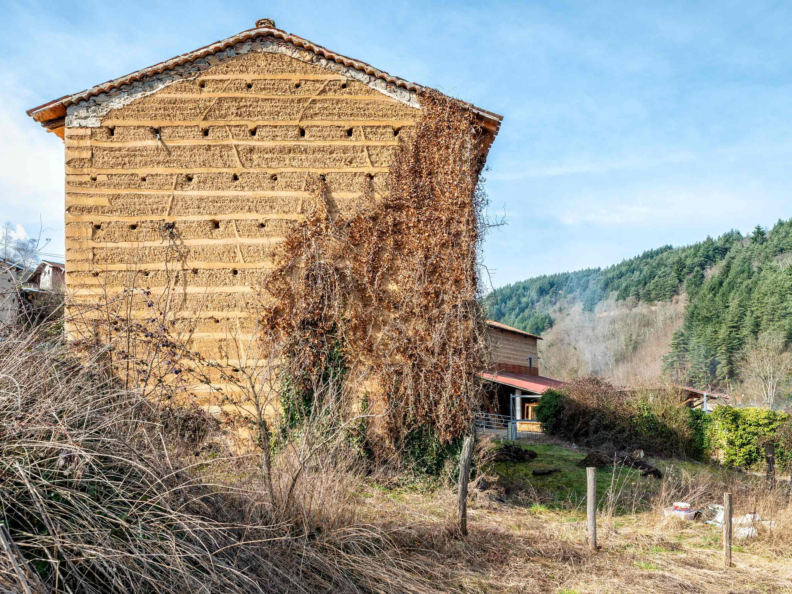 Pisé – Stampflehmbauten in Frankreich  453/7