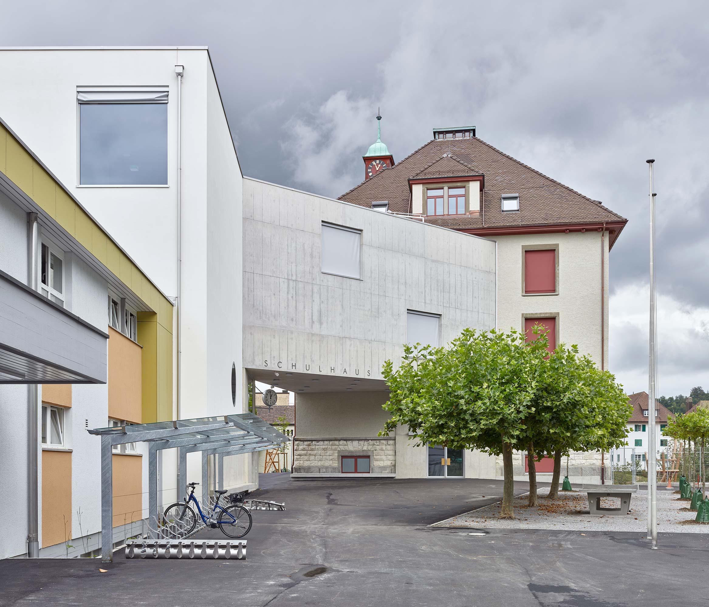Schulhaus Kirchacker  1/14
